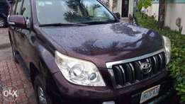 Hire Land cruiser Prado