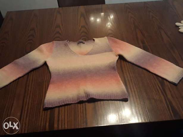 Girl's pullover size 14-16 years