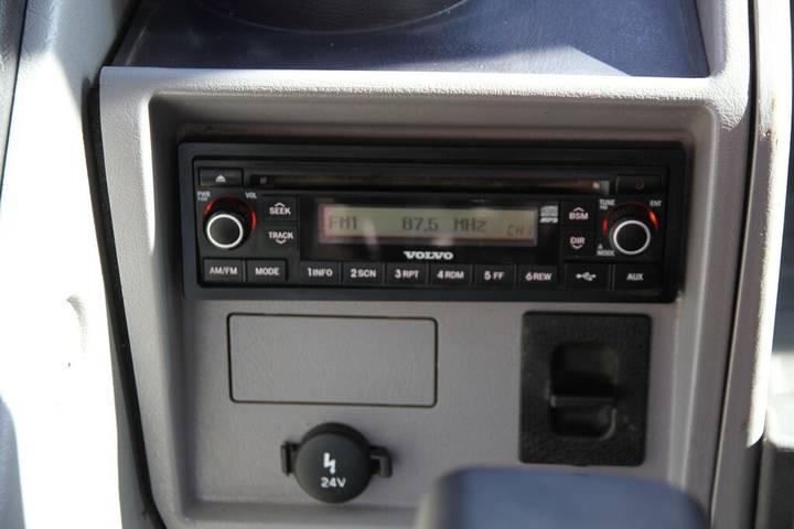 Volvo EC 220DL - 2014 - image 24
