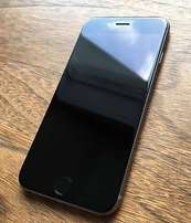 iphone 6 silver 64gb good condition R6000.00 cash only