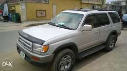 Toyota 4Runner 2000model First body.