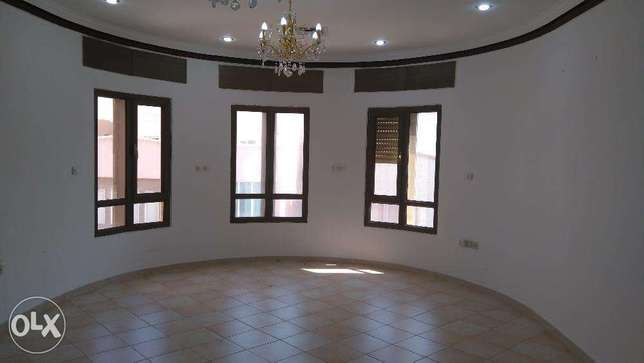 Huge 4 master bedroom in mangaf w/balcony