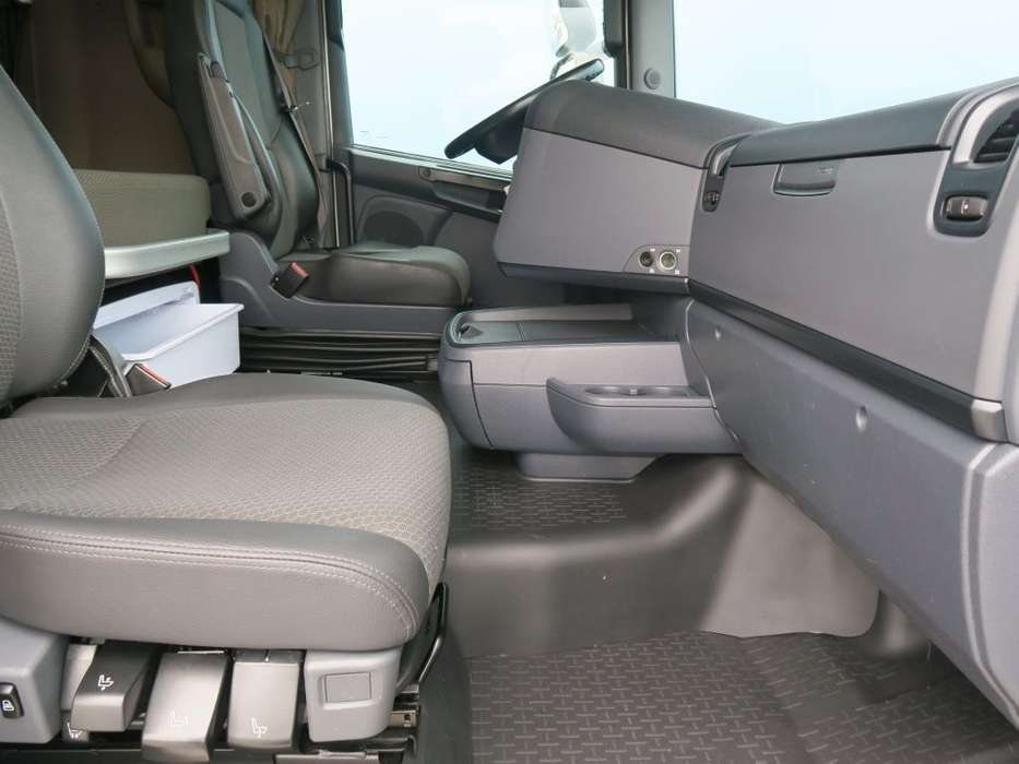 Scania R450 LA6X2/4MNB   SCR-only   Full Air   PTO   Hydraulic  ... - 2017 - image 18