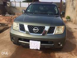 Super clean Nigerian used Nissan Pathfinder 2005 Model