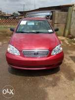 A clean tokunbo Toyota corolla for sale, 2005, accident free.