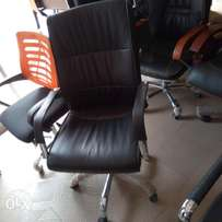 Good Quality Office Swivel Chair 5600
