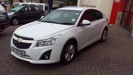 Chevrolet Cruze 1.6 LS 5DR Facelift ( 2015 ) Very Neat and well Priced