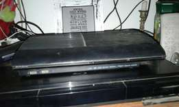 Limited edition ps3 500 GB with remote control and two games