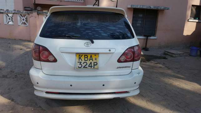 Clean and Well Maintained Harrier Old Shape 2200cc Mombasa Island - image 6
