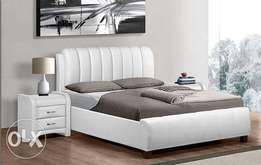 Grand sleigh bed white