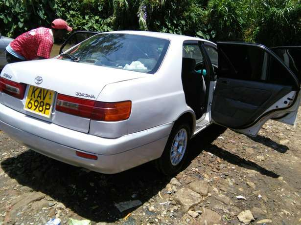 Toyota Premio old shape extremely clean Garden - image 4