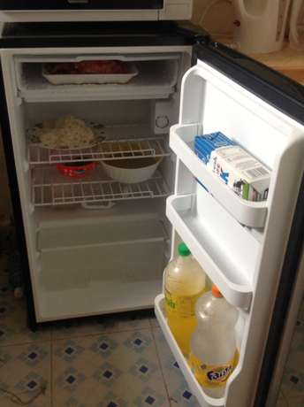 hot point fridge in good condition 6 months old plus warranty Kakamega Town - image 3