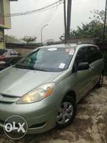 2006 Toyota Sienna LE Clean Deal + Very Urgent Sale!