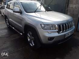 Jeep 4wd, Auto 2010 model,leather seats, in mint shape.