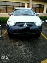 Mitsubishi Pickup truck for sale. 2013 (bought brand new)