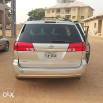 Toyota sienna for urgent sale