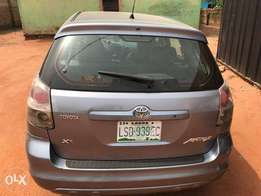 Used Toyota matrix available for sell