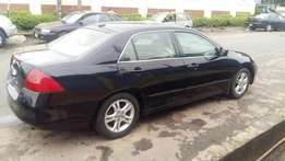 Very clean Tokunbo 07 Honda Accord