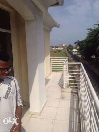 Top Notch 3 Bedroom Flat at Lekki Lagos Mainland - image 1