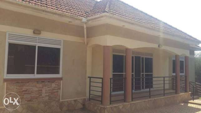 A house in nalya for sale Kampala - image 1