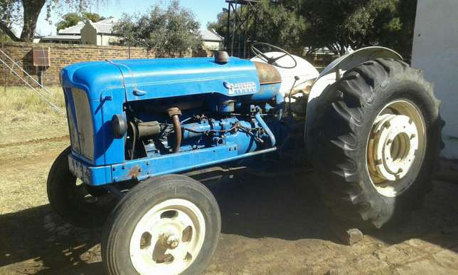 Fordson Tractor Brits - image 1