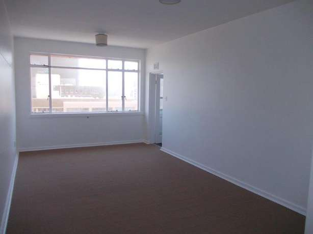 1.5 bedroom unit in South Beach Durban - image 3