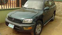 Toyota RAV4 (2000)Manual