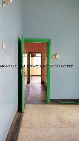Bungalow commercial house for rent at 100k Mombasa Island - image 3