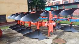 Brand new 4,3 farrow non reversible and reversible plough