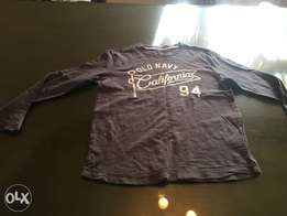 Old navy boys t-shirt size 10-11 years