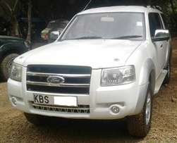 2007 Ford Everest, manual 2.5L diesel, clean condition