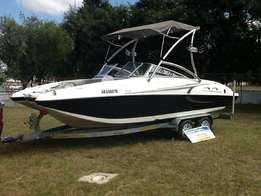 2010 Sunsport 2150 with 5.0l Mercruiser MPI with Alpha One Drive 117.