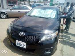 My super clean Toyota camry 010 Toks SE urgently for sale