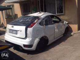 2008 ford focus st 2.5 turbo stripping for spare parts
