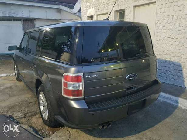 FORD FLEX 2010 Model now on Offer Lagos Mainland - image 6