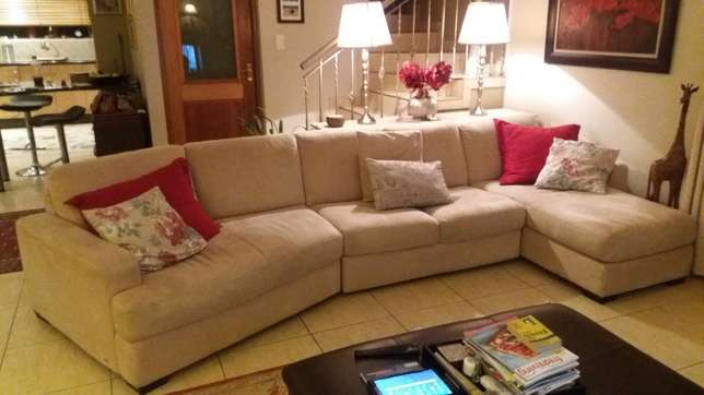 Imported 3-Piece 5-Seater Lounge Suite Benoni - image 1