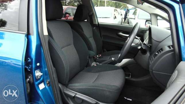 toyota auris 2010 model1500 cc fully loaded Parklands - image 3