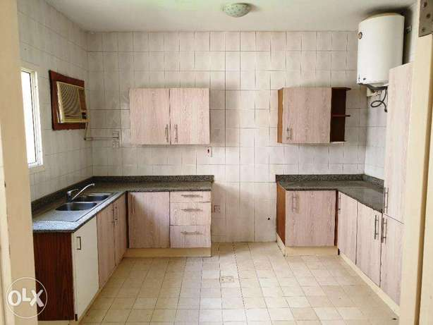 4 BR Villa for 7500 in Old Airport