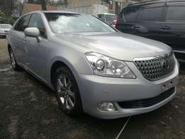 Toyota Crown Majesta Extremely Luxurious Car 2009 Make at 2,850,000/=