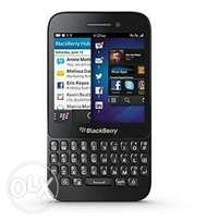 Q5 blackberry for sale, good working condition