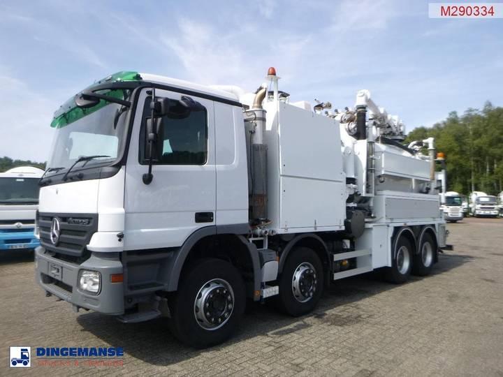 Mercedes-Benz Actros 3241 8x4 RHD Huwer vacuum tank / hydrocureur 15 m3