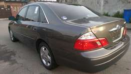 Toyota Avalon, 2004, XLE. Very Sharp