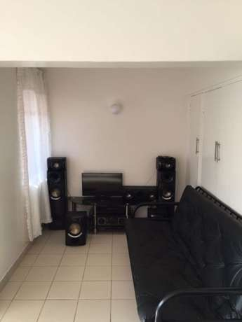 Bachelor flat, Super Bachelor flat. 1 bedrooms to rent in Cartenvillle West Rand - image 4