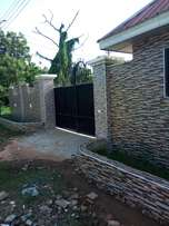Luxurious 5Bedroom House to Let at East Legon, 1yr