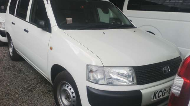 Very clean Toyota probox, Year 2009. Parklands - image 4