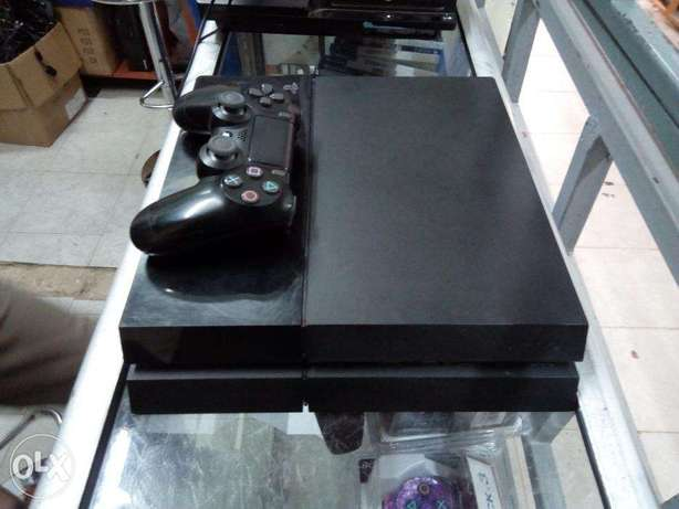 Ex UK PS4 Refurbished and certified with One Year warranty Nairobi CBD - image 2