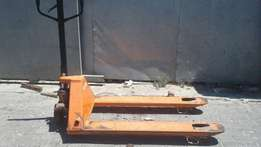 pallet jacks R 850 each,3 ton trolley jack great condition
