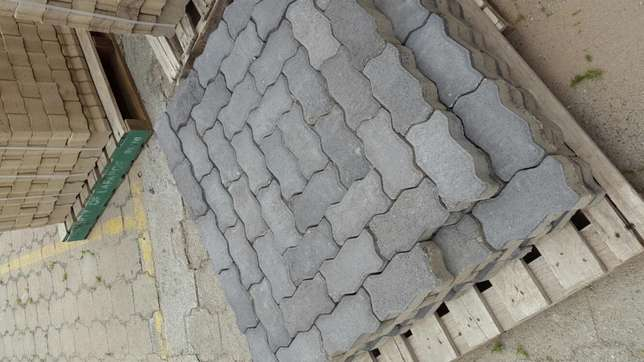 Paving Interlocking bricks Clearance! !! Radiokop - image 1