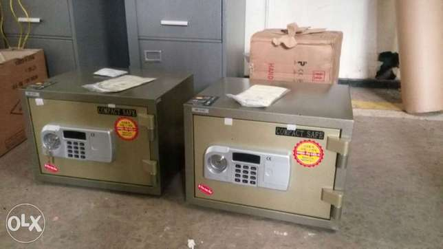 Compact Fire Proof Safe Land Mawe - image 1