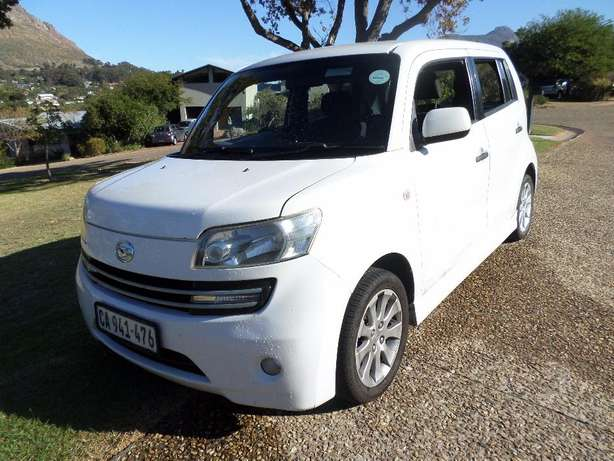 Daihatsu Materia 1.5 low Kms excellent condition Hout Bay - image 3